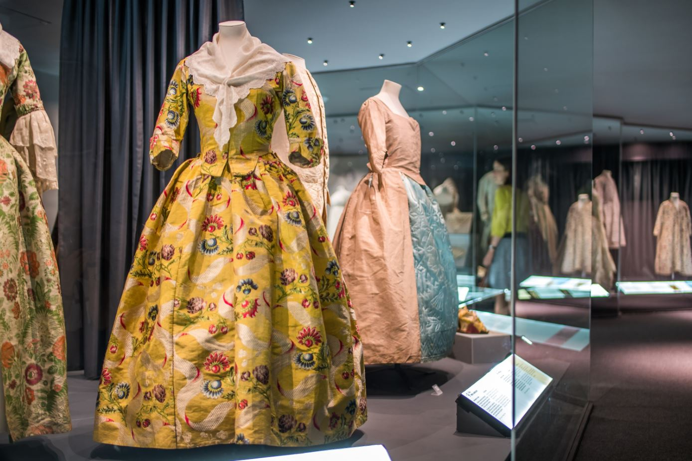 Christian Dior Exhibition and Fashion Tour To London