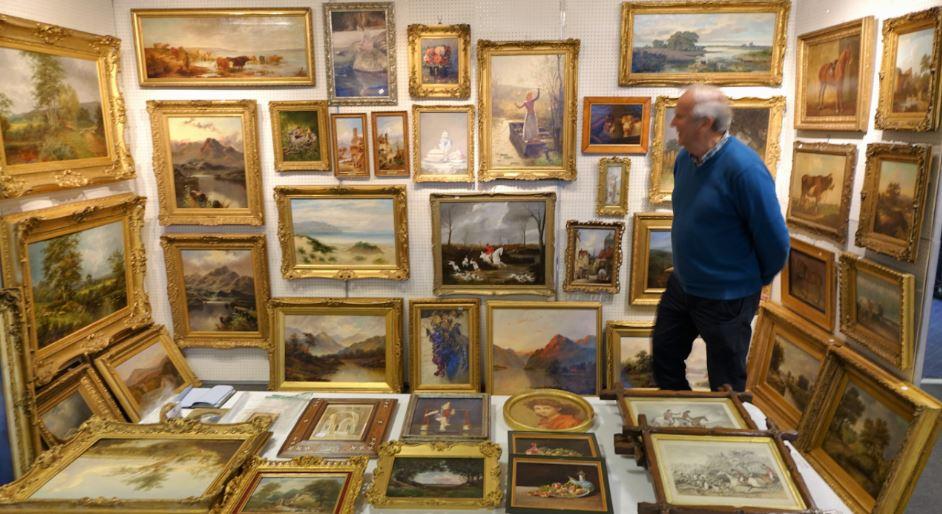 Newark Antiques and Collectors Fair