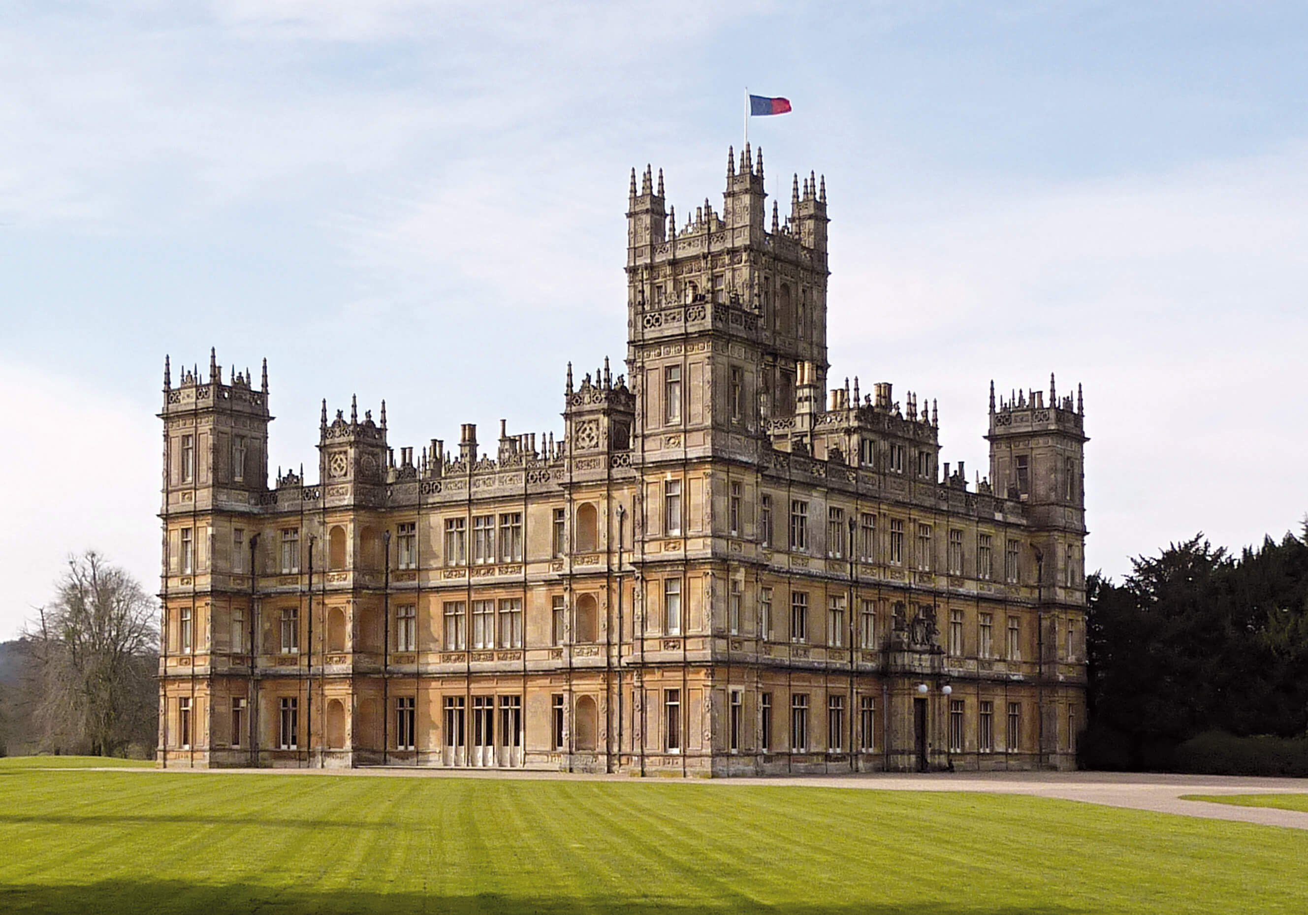 Upstairs Downstairs On Location with Downton Abbey